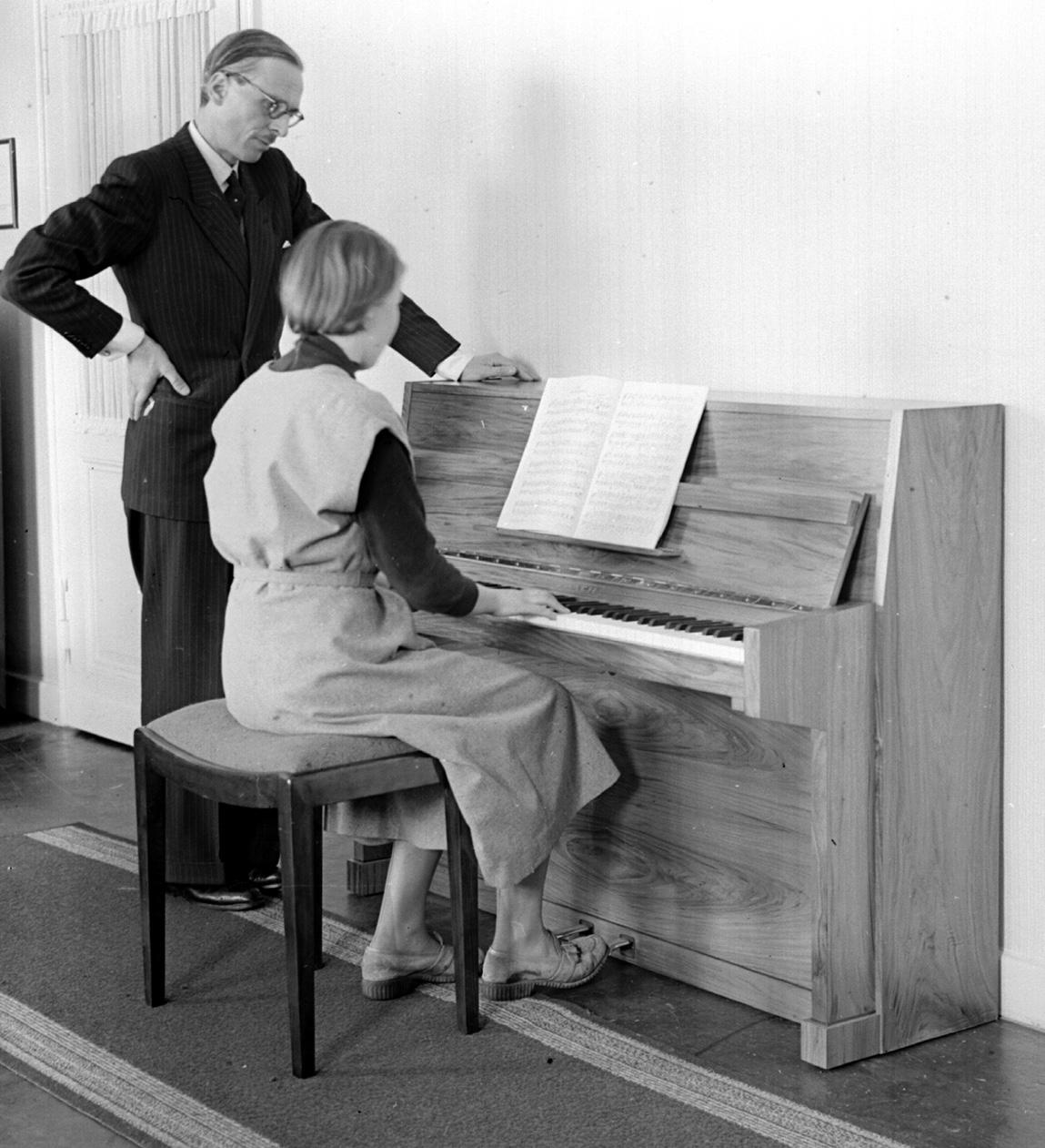 1933 – Adolf Ibach tritt in die Firma ein